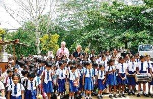 Maedchenschule-Sri-Lanka-Begruessung