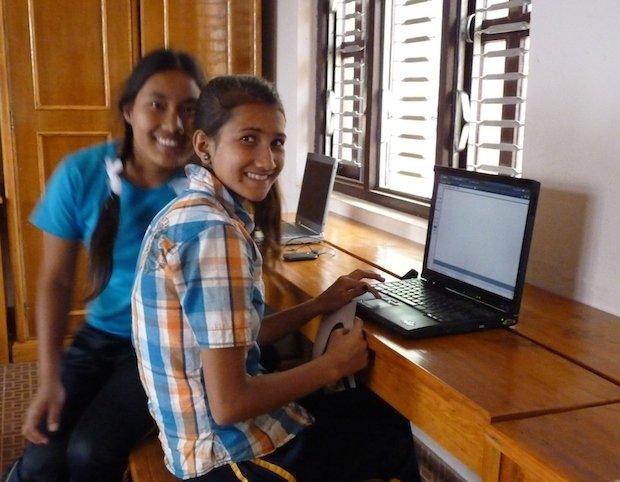 Der Sommer-Computerkurs wird derzeit abgehalten und der Lehrstoff den Erfordernissen der Schule angeglichen.