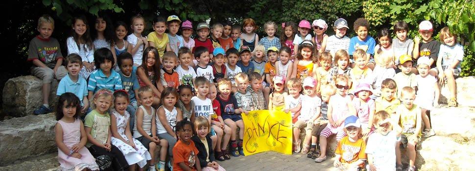"""Emanuel-Stiftung stattet Nürnberger Kindergärten mit Experimentierkästen aus. Projekt will Kinder als """"kleine Entdecker"""" von Umwelt und Technik fördern"""